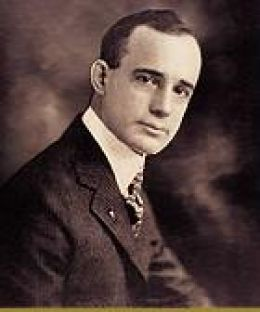 Napoleon_Hill_young_portrait